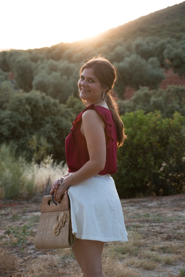 Summer look: white and burgundy 9